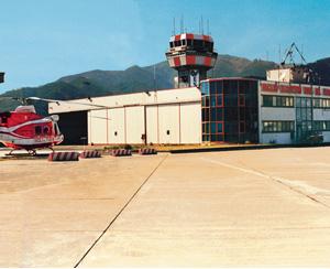hangar-cop